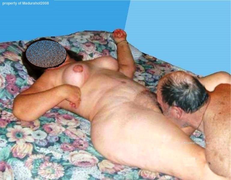 Fotos de mi suegra Desnuda enseñando su Almeja  - Les comparto algunas fotos de una suegra madura desnuda, con ese culo y concha muy buenos que tiene - vagina maduras- maduras follando